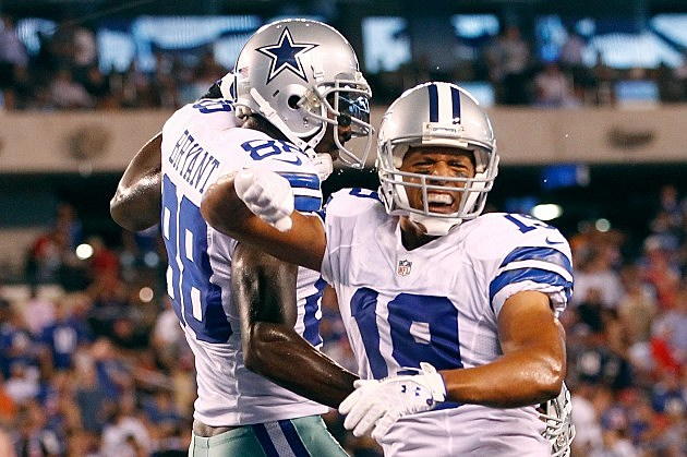 Miles Austin scores a touchdown against the New York Giants